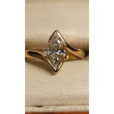 18ct GOLD RING set with 1.23ct FANCY LIGHT YELLOW DIAMOND