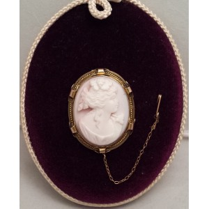 15ct Cameo Brooch