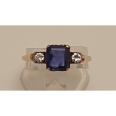SOLD  VINTAGE 18ct GOLD SAPPHIRE and DIAMOND RING