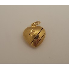 22ct GOLD HEART