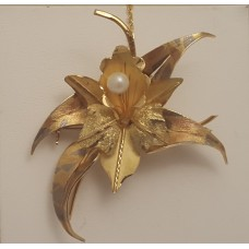 18ct GOLD, PEARL BROOCH