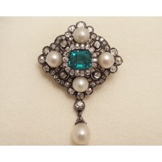 ANTIQUE EMERALD, DIAMOND & PEARL BROOCH