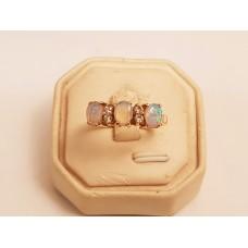 18ct GOLD, OPAL & DIAMOND RING