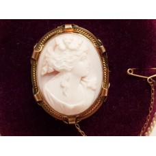 15ct GOLD CAMEO BROOCH